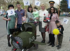 Парад детских колясок прошел в Приморье в честь 9 мая